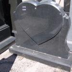 Гранит, применяемый при изготовлении могильных памятников